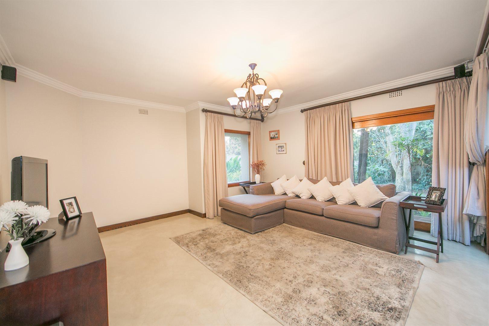 Douglasdale property for sale. Ref No: 13533118. Picture no 6