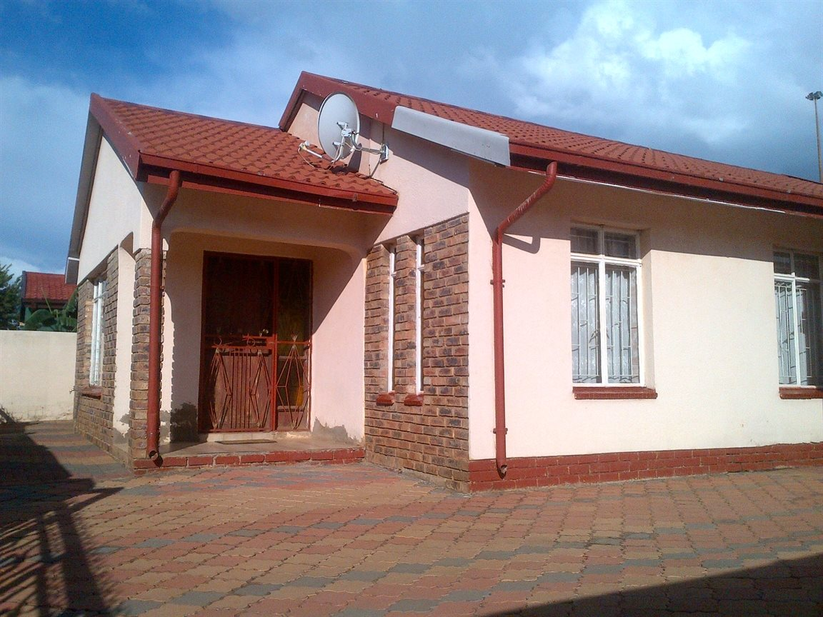 Vanderbijlpark, Sebokeng Zone 17 Property  | Houses For Sale Sebokeng Zone 17, Sebokeng Zone 17, House 3 bedrooms property for sale Price:650,000