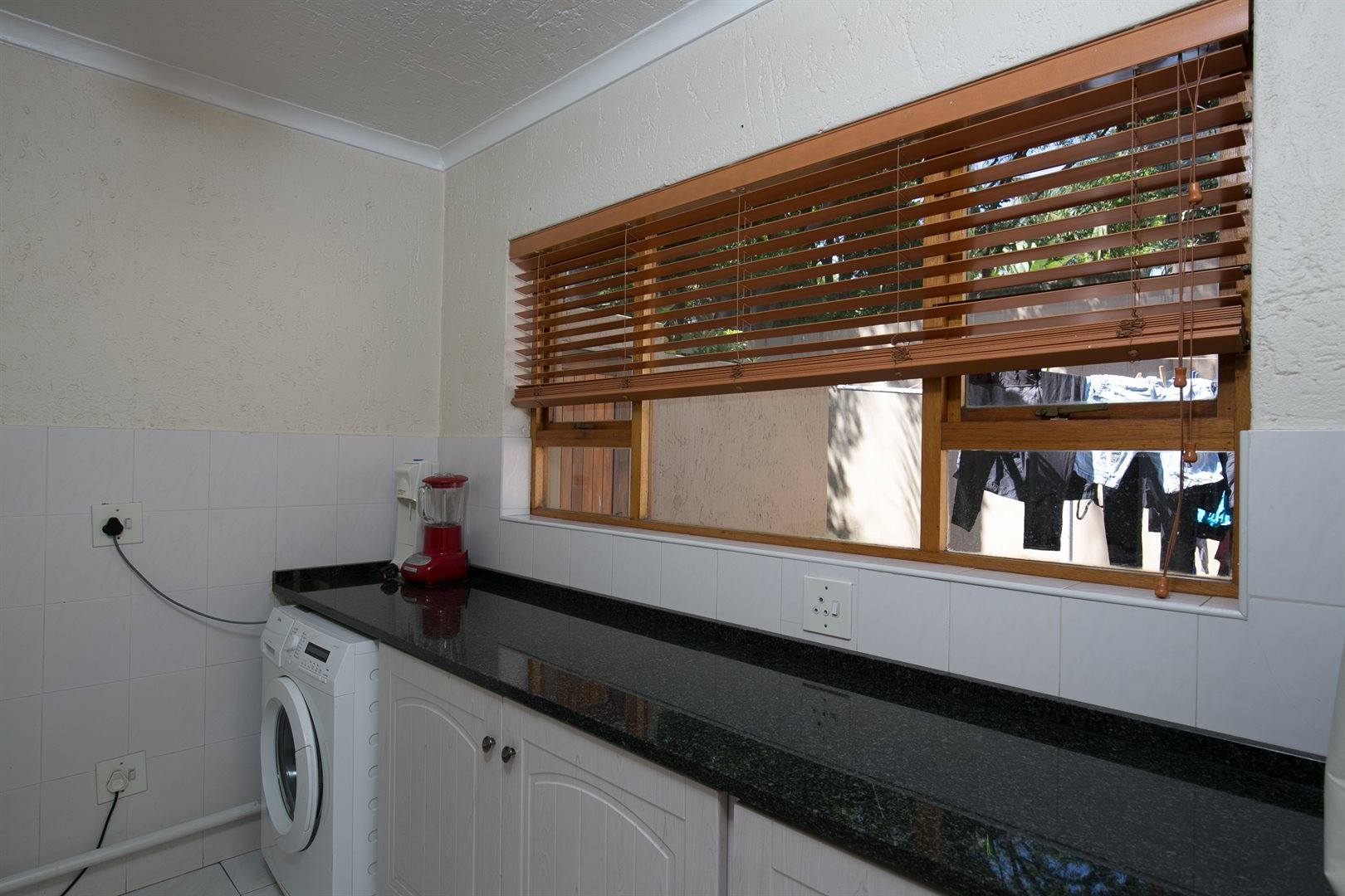 Fourways Gardens property for sale. Ref No: 13537425. Picture no 5