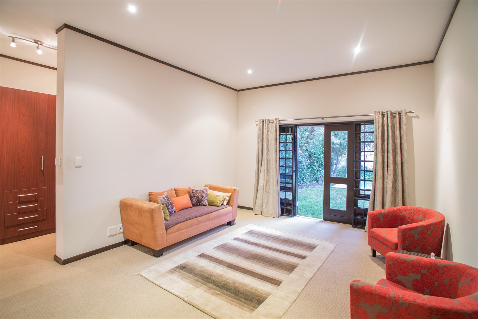 Lonehill property for sale. Ref No: 13529904. Picture no 5