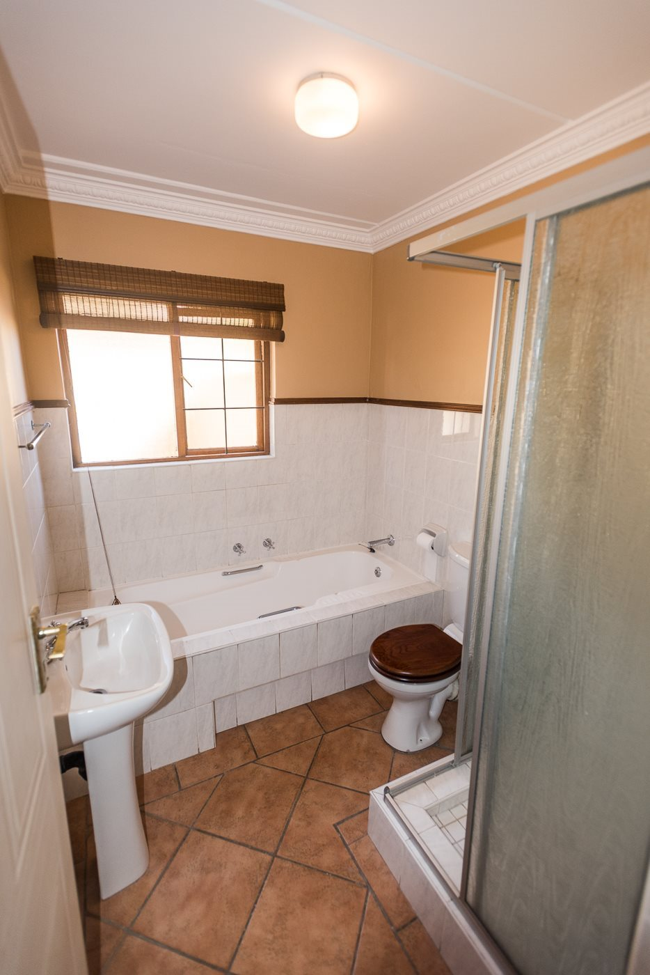 Lonehill property for sale. Ref No: 13492156. Picture no 12