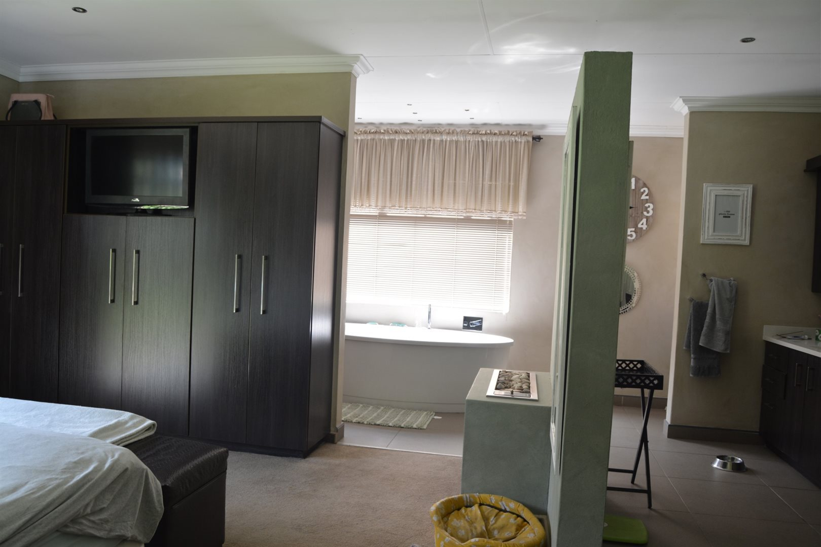 Three Rivers East property for sale. Ref No: 13229414. Picture no 7