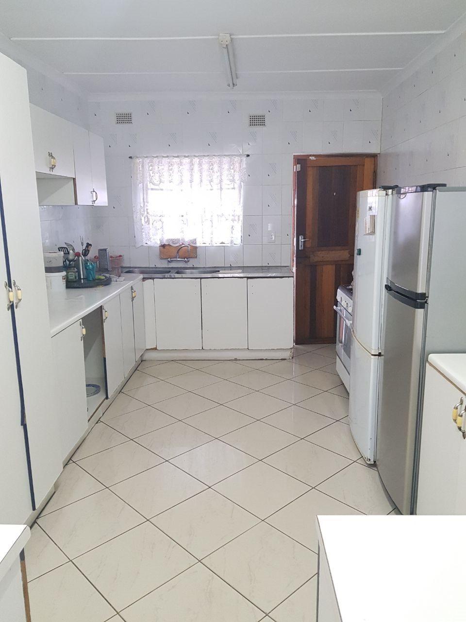 Brackenham property for sale. Ref No: 13590945. Picture no 2