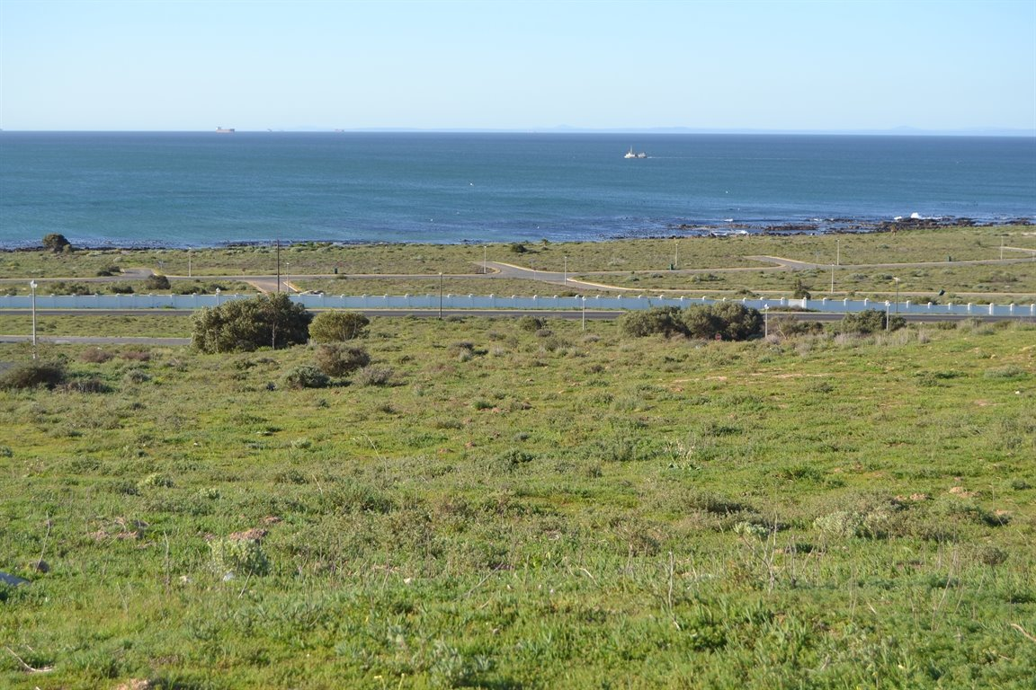 Da Gama Bay property for sale. Ref No: 12787931. Picture no 13