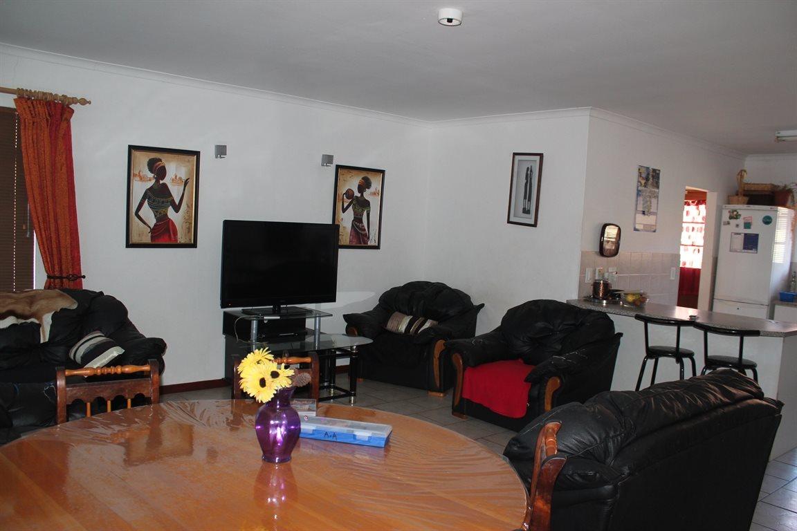 Vredenburg property for sale. Ref No: 13436335. Picture no 9