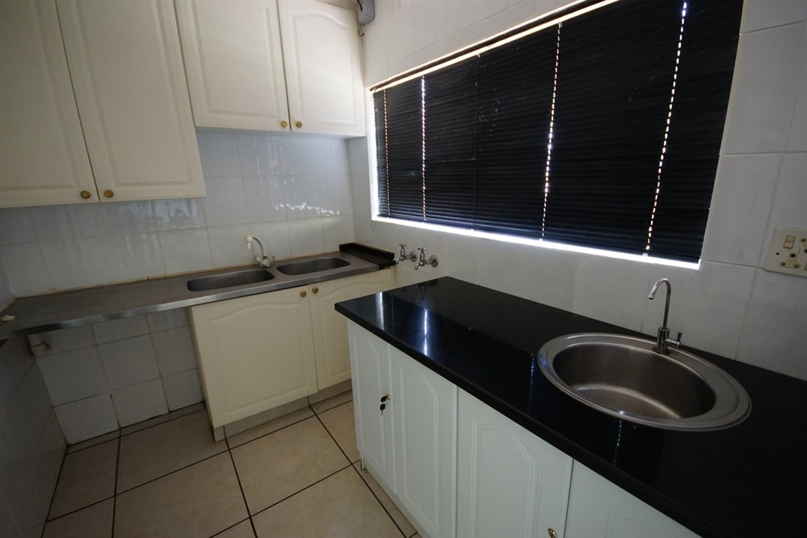 Three Rivers East property for sale. Ref No: 12734571. Picture no 2
