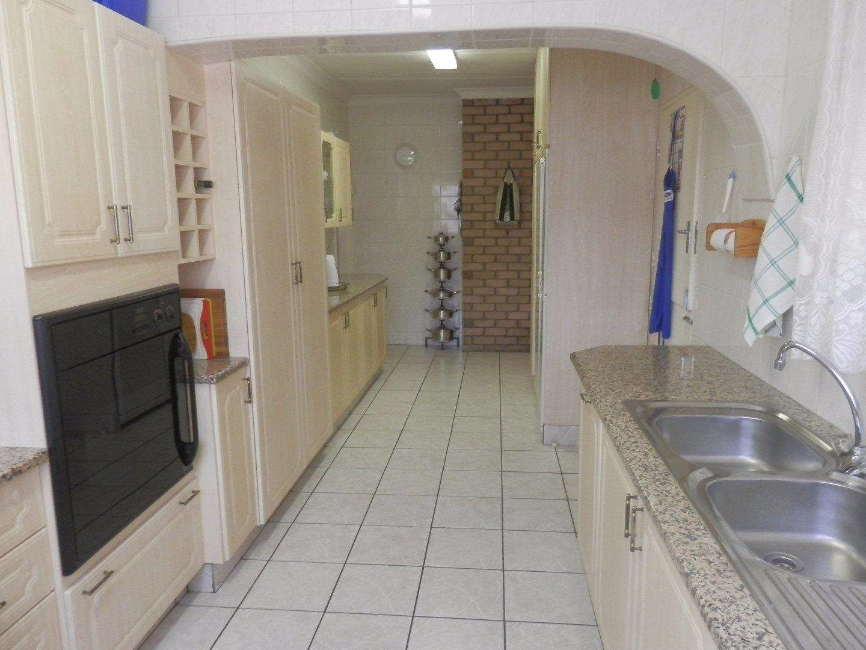 Kibler Park property for sale. Ref No: 13534955. Picture no 15