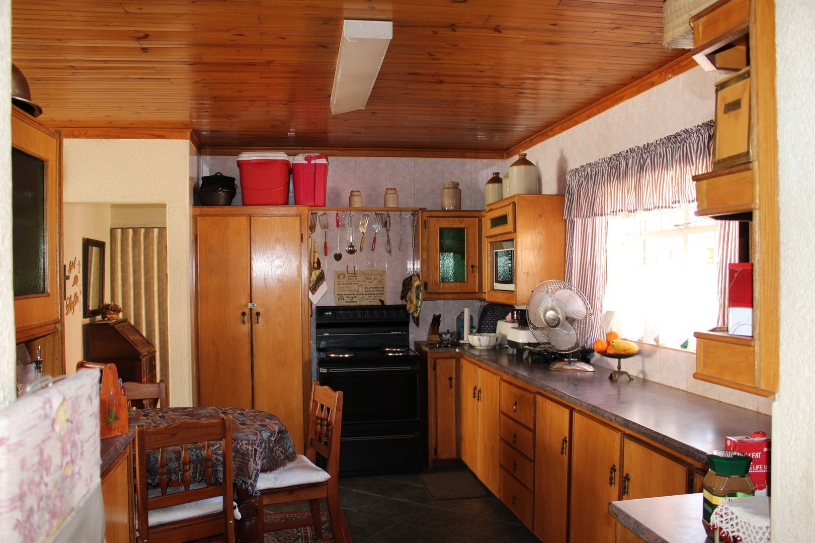 Suid Dorp property for sale. Ref No: 13508208. Picture no 6