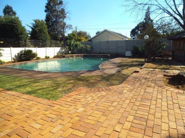 Brackenhurst property for sale. Ref No: 13544136. Picture no 14