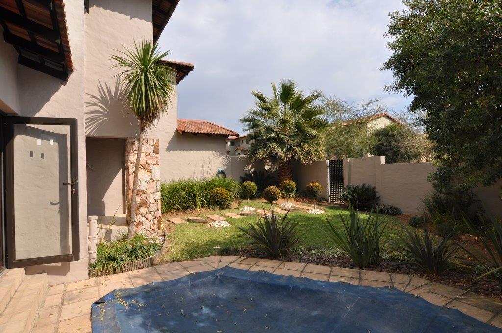 Broadacres property to rent. Ref No: 13503978. Picture no 12