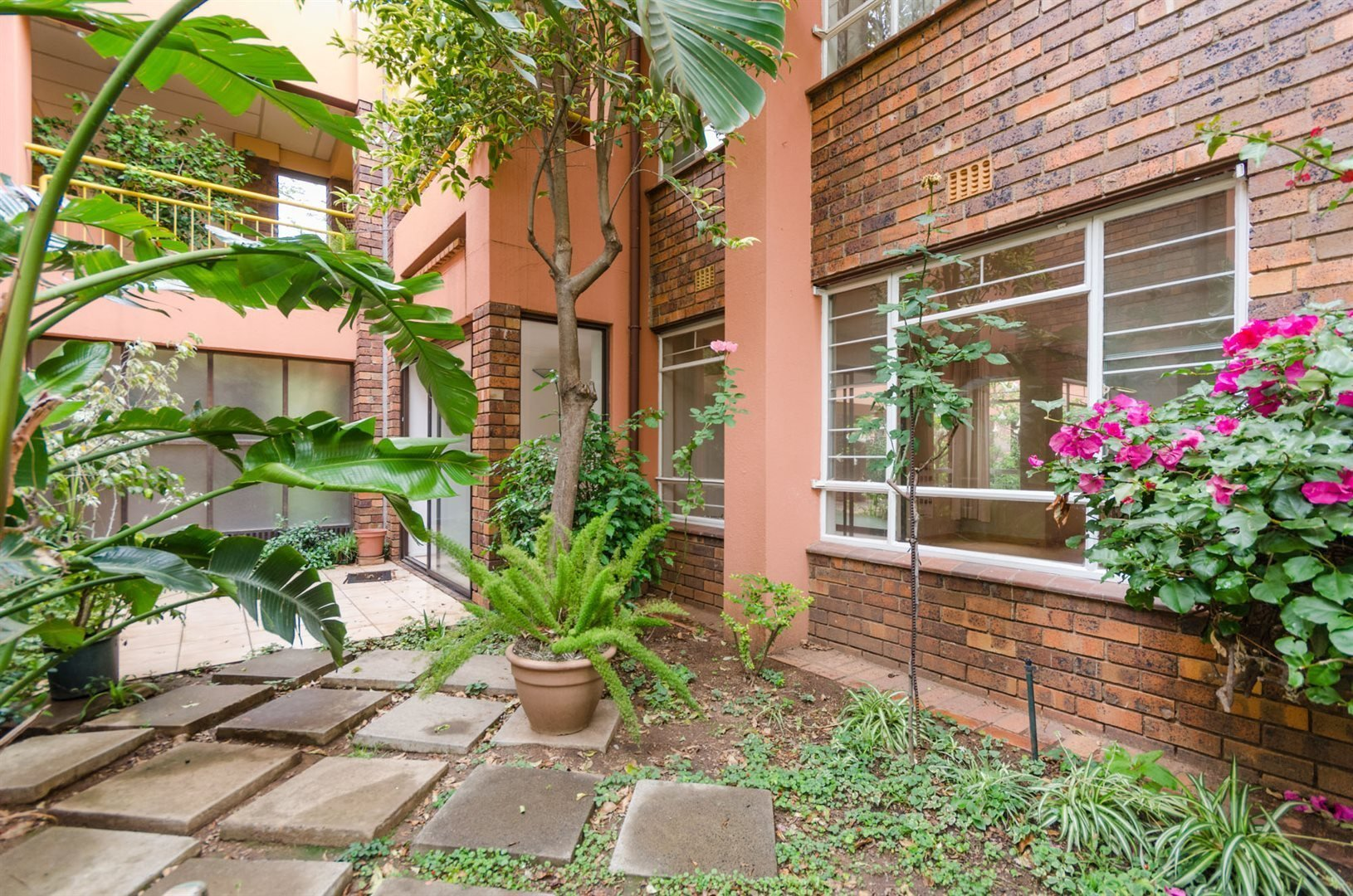 Rosebank property for sale. Ref No: 13514442. Picture no 13