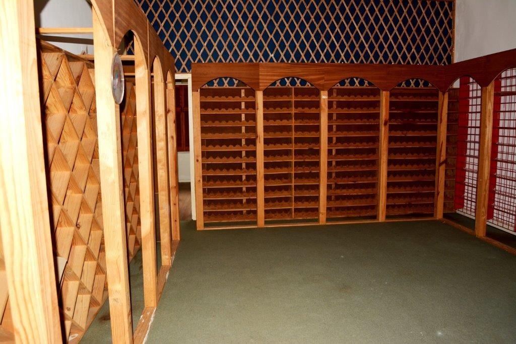 Woodgrange property for sale. Ref No: 13413908. Picture no 14