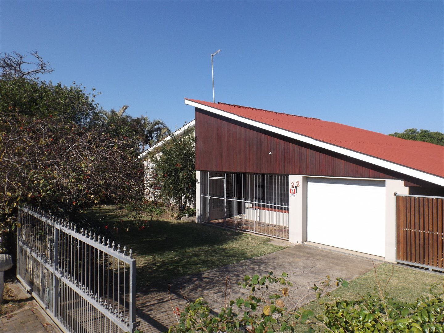 Property for Sale by DLC INC. ATTORNEYS Heinrich Ferreira, House, 4 Bedrooms - ZAR 1,240,000