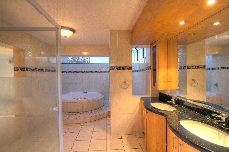 Fourways Gardens property for sale. Ref No: 13401246. Picture no 16