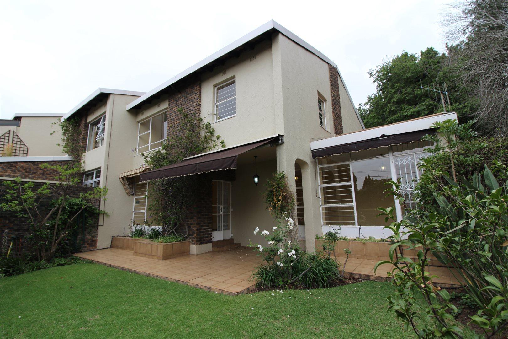 Bryanston property for sale. Ref No: 13552406. Picture no 1