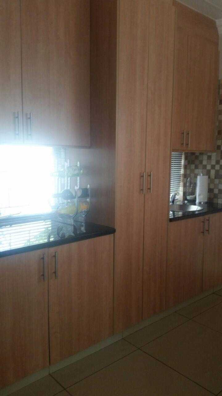 Theresapark property for sale. Ref No: 13567189. Picture no 7