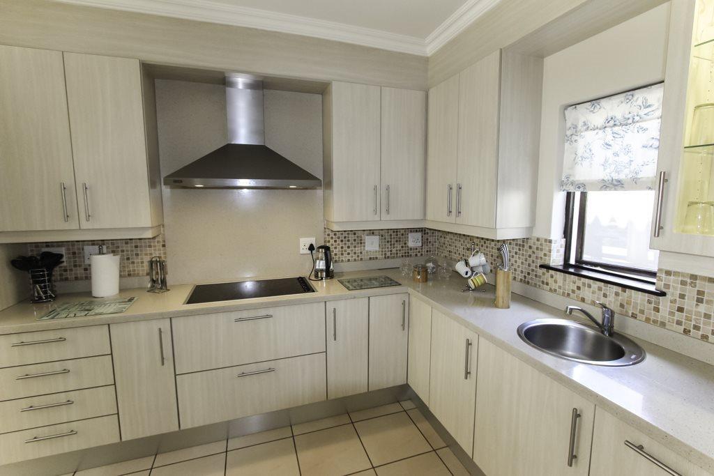 Broadacres property for sale. Ref No: 13564975. Picture no 2