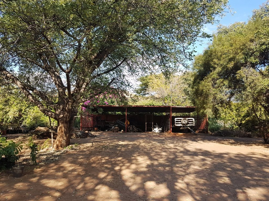 Heatherdale property for sale. Ref No: 13635556. Picture no 4