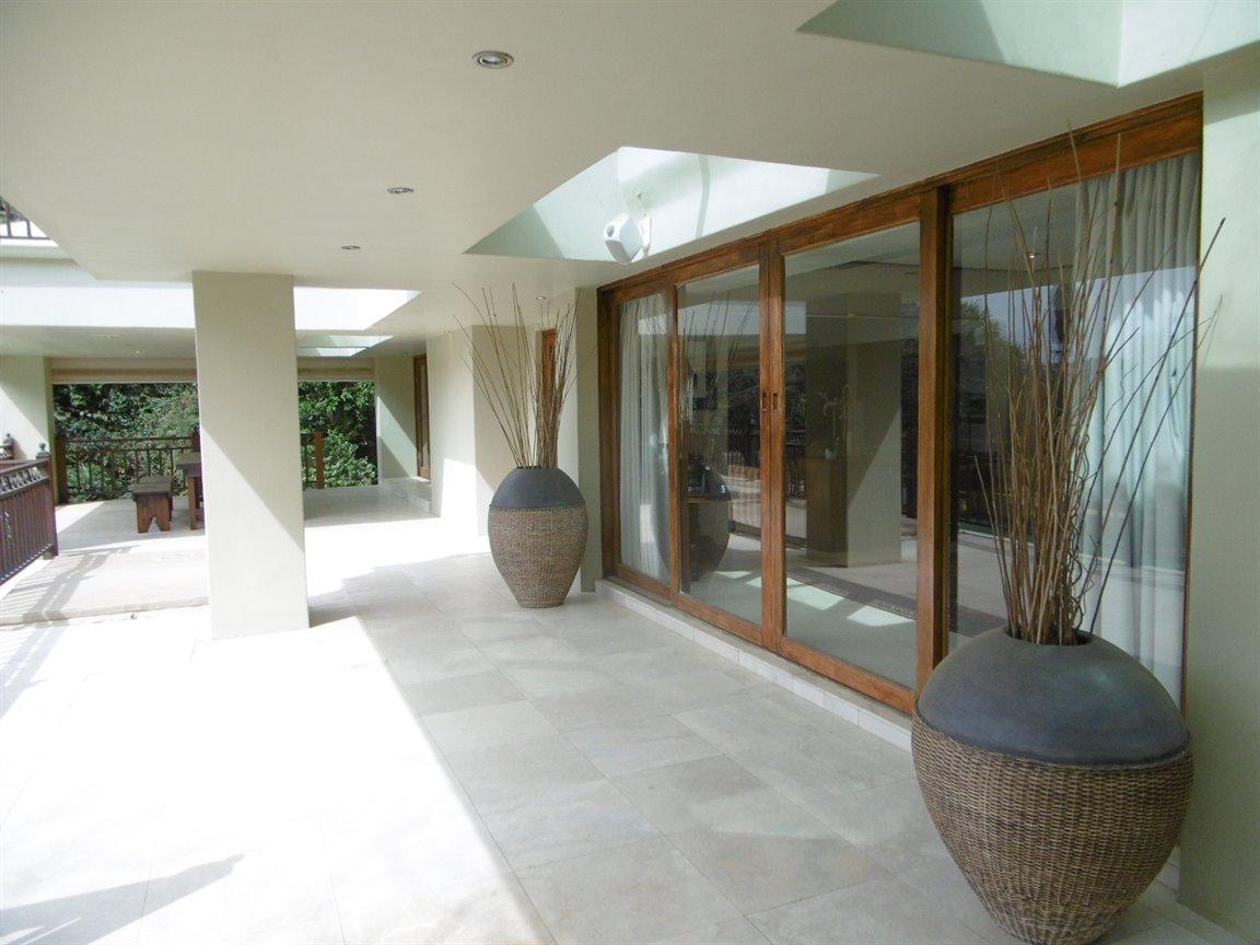 Bryanston property for sale. Ref No: 13389969. Picture no 9