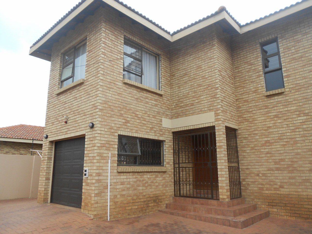 Johannesburg, Mulbarton Property  | Houses For Sale Mulbarton, Mulbarton, Townhouse 3 bedrooms property for sale Price:1,495,000
