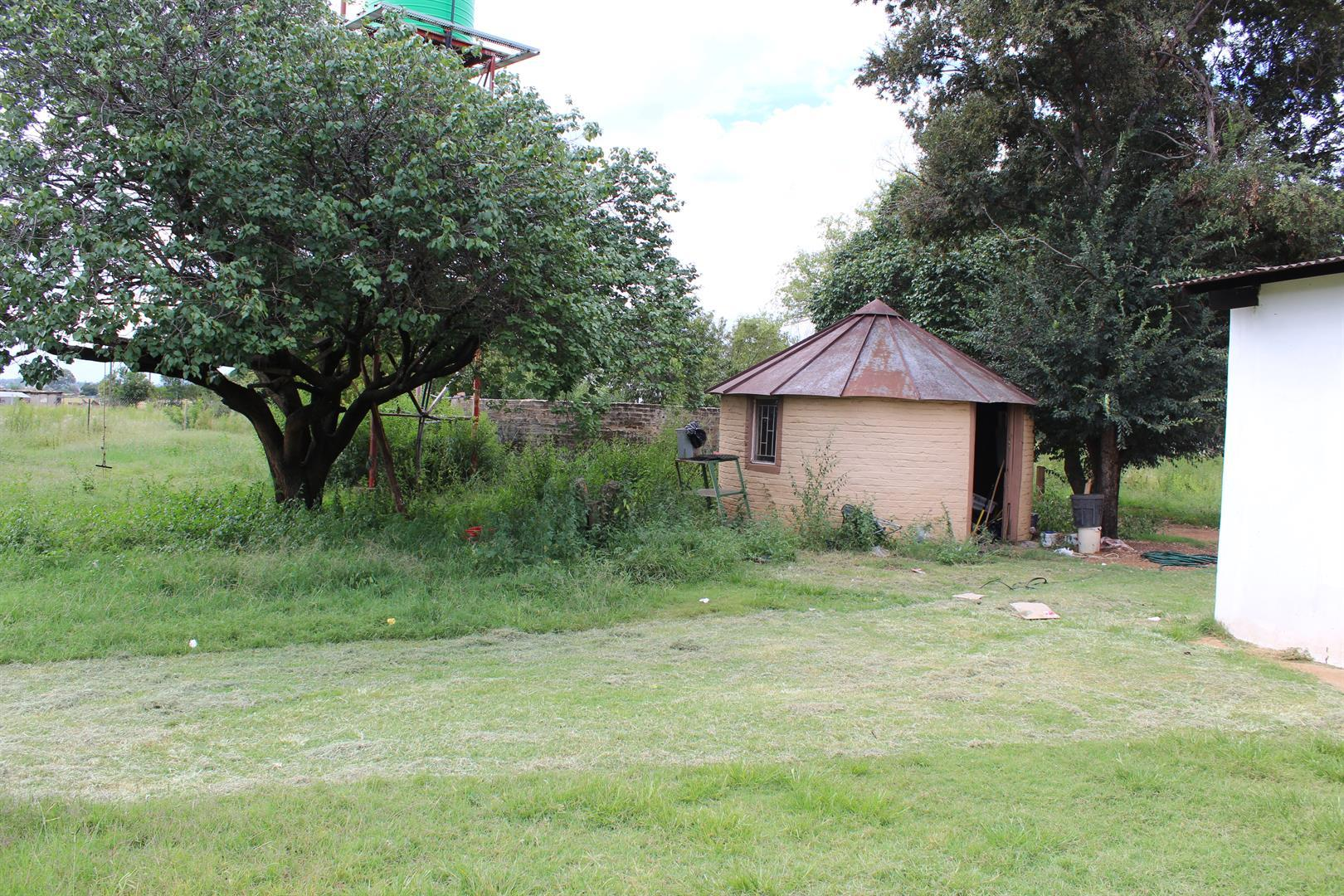 Wilgeboom A H property for sale. Ref No: 13462715. Picture no 9
