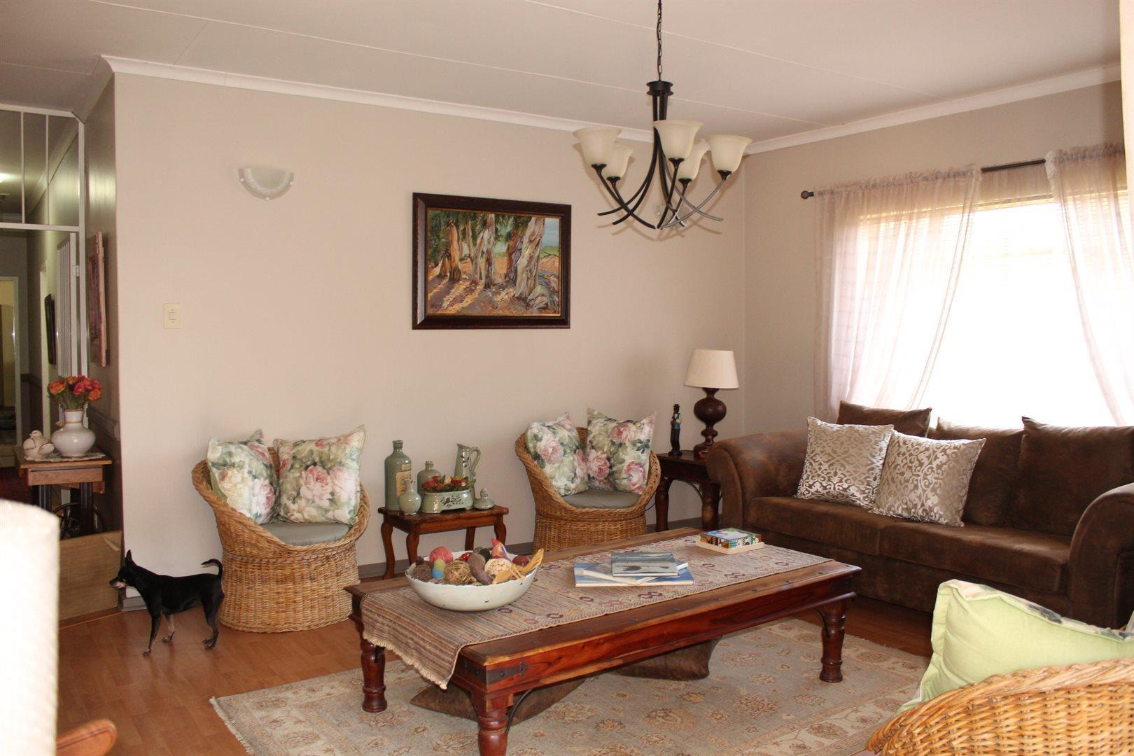 Karenpark property for sale. Ref No: 13566728. Picture no 7