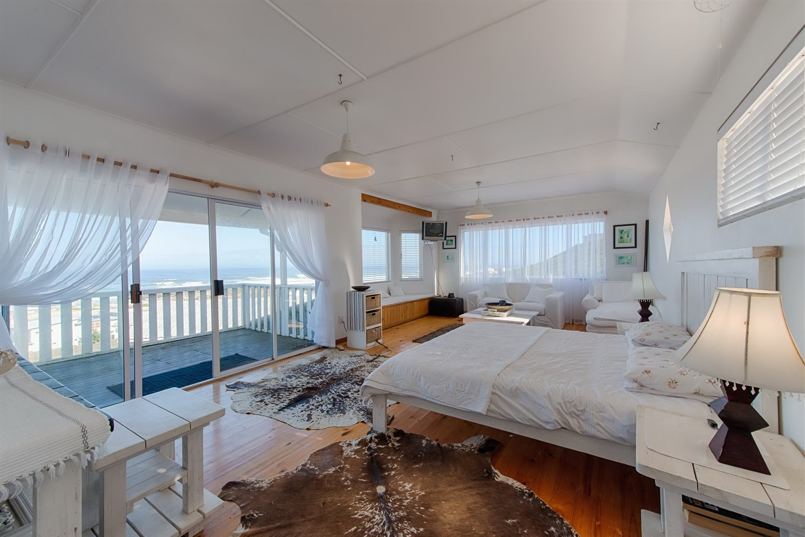 Yzerfontein property for sale. Ref No: 13509650. Picture no 25