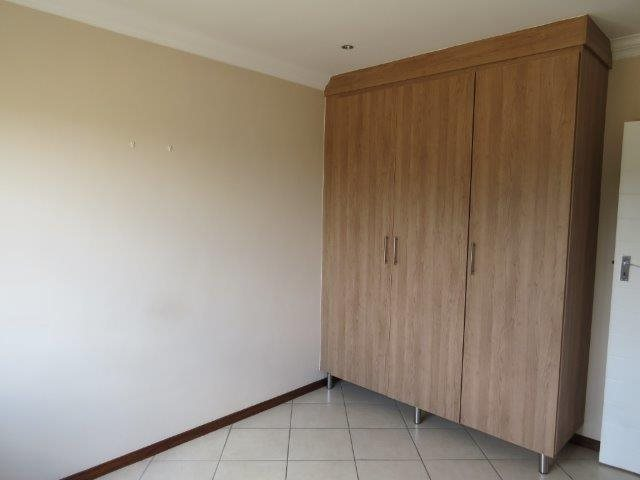 Eldo View property for sale. Ref No: 13548557. Picture no 13