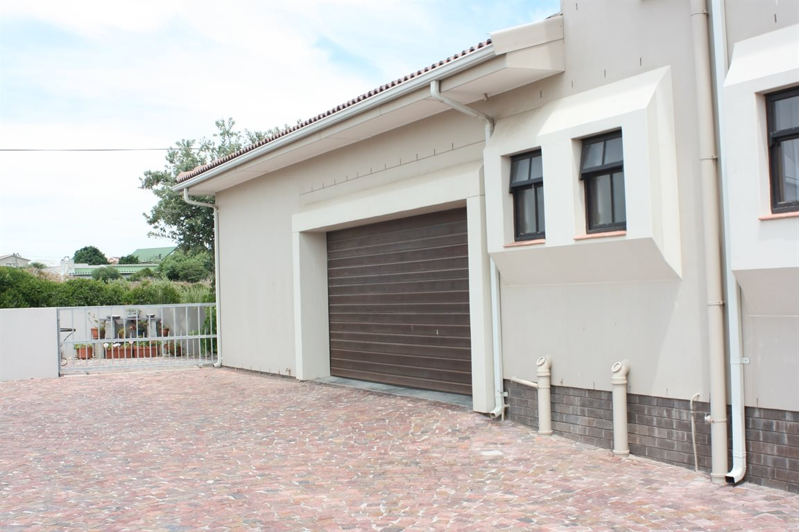 Yzerfontein property for sale. Ref No: 13294850. Picture no 44