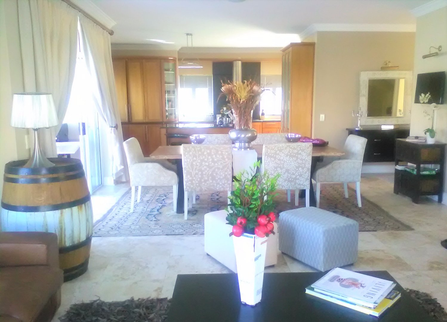 Harbour Island property to rent. Ref No: 13554085. Picture no 7