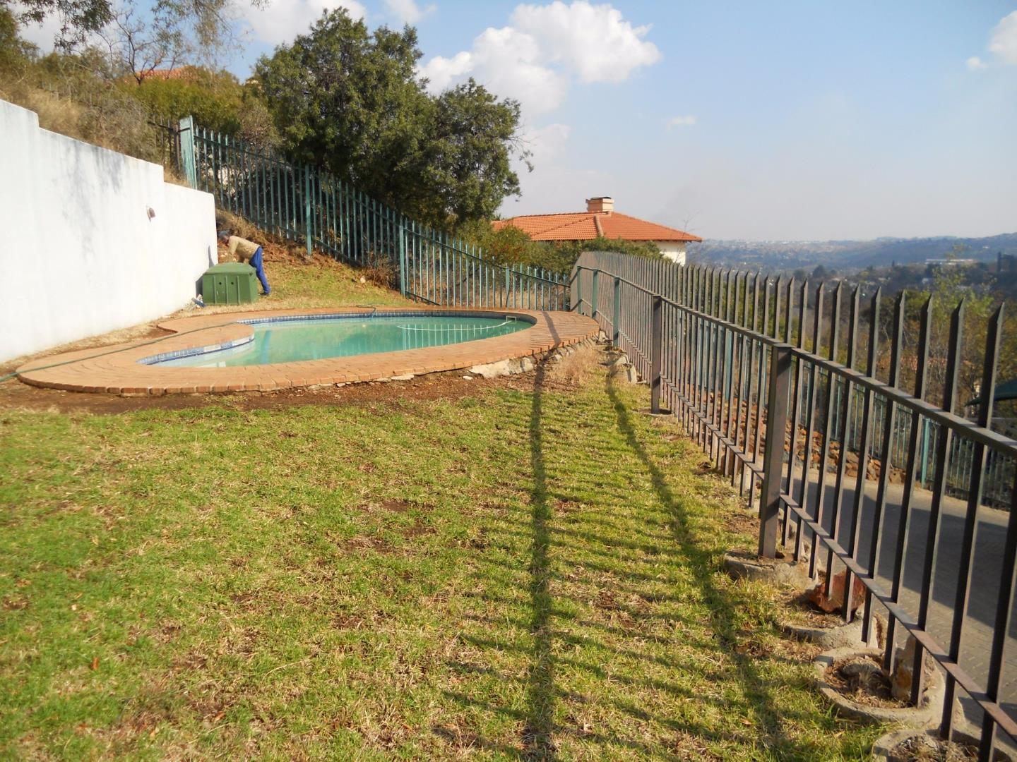 Winchester Hills property for sale. Ref No: 13525311. Picture no 13