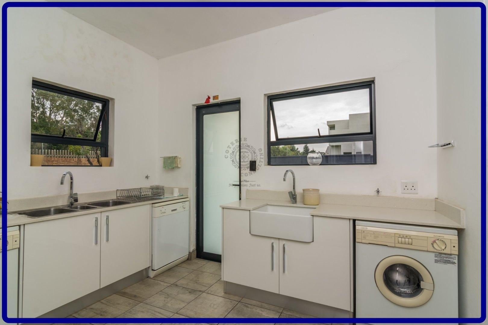 Midstream Hill property for sale. Ref No: 13644259. Picture no 15