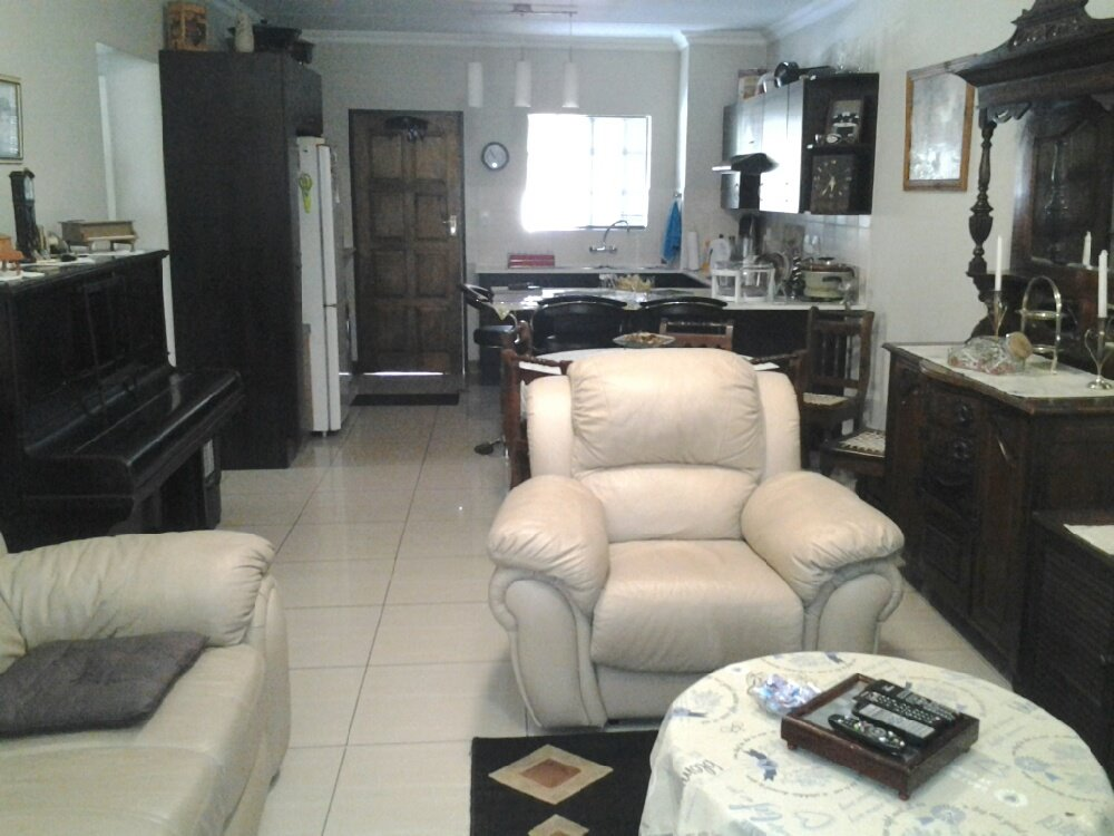 Three Rivers property for sale. Ref No: 13245652. Picture no 3