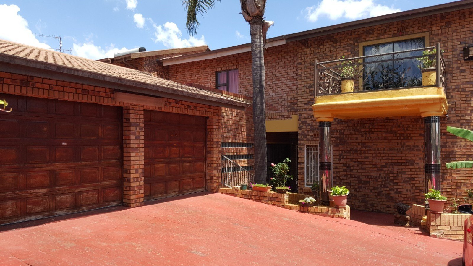 Johannesburg, Lenasia South Property    Houses For Sale Lenasia South, Lenasia South, House 5 bedrooms property for sale Price:1,450,000