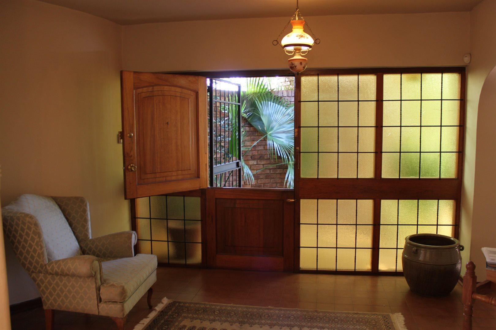 Waterkloof Ridge property to rent. Ref No: 13539553. Picture no 2
