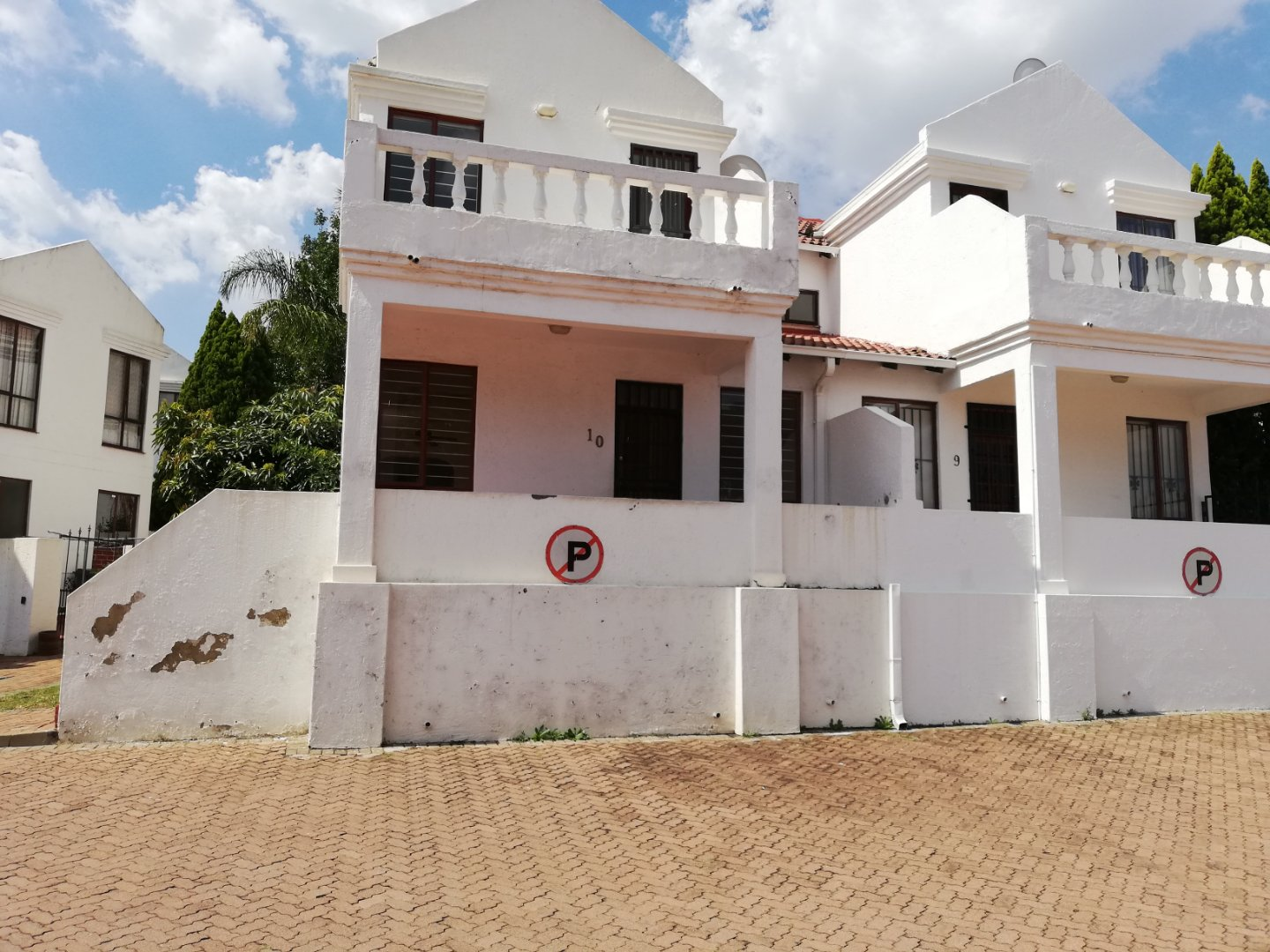 , Townhouse, 2 Bedrooms - ZAR 1,150,000