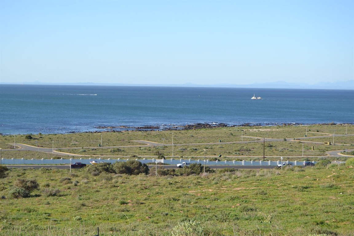Da Gama Bay property for sale. Ref No: 12787931. Picture no 8