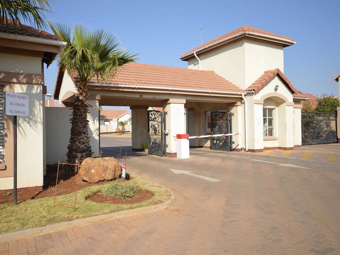 Vanderbijlpark Se9 property for sale. Ref No: 12799356. Picture no 1
