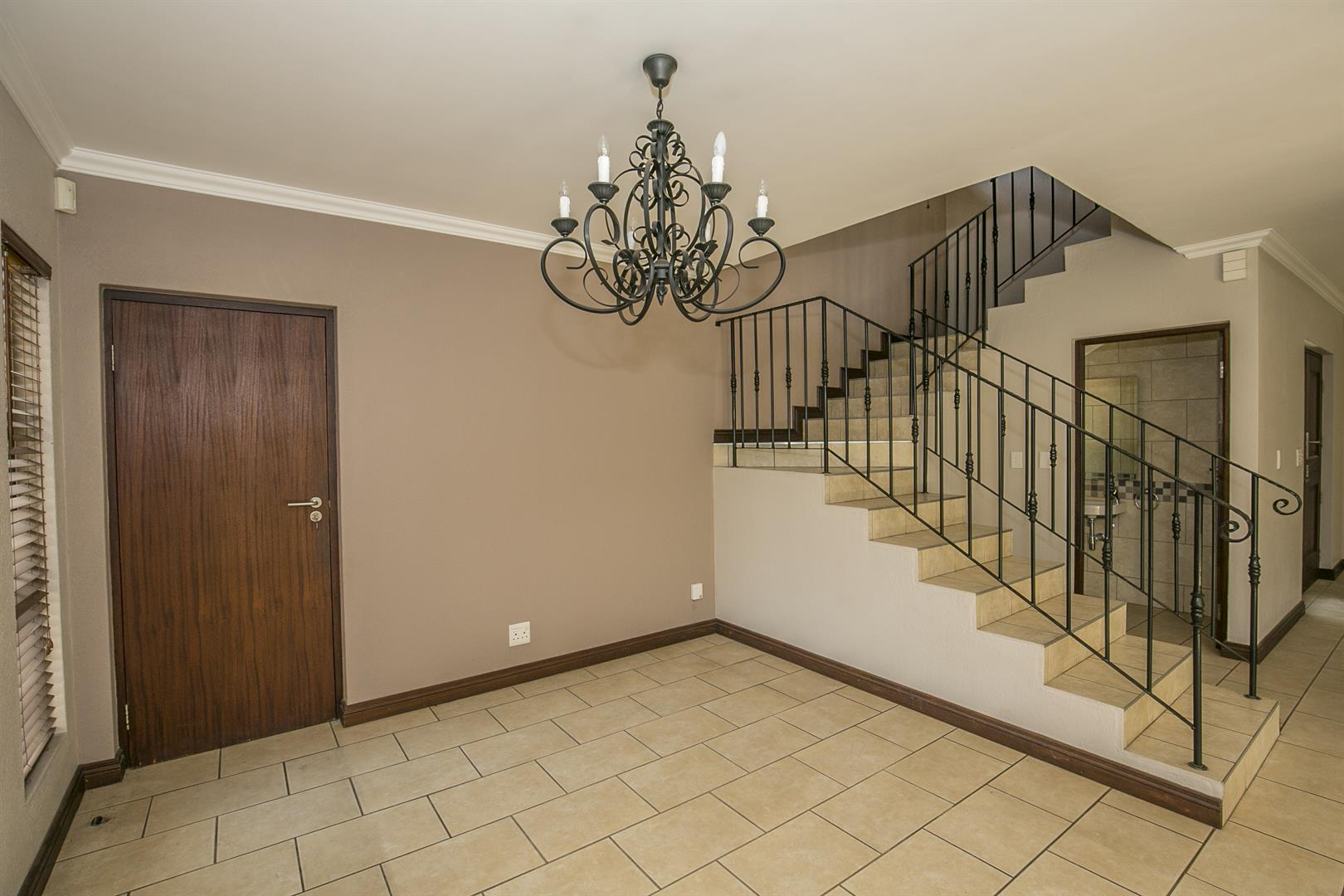 Fourways property for sale. Ref No: 13458374. Picture no 6