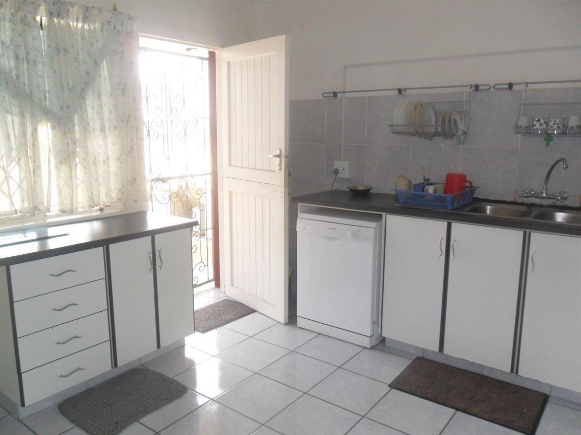 Craigieburn property for sale. Ref No: 13521257. Picture no 15
