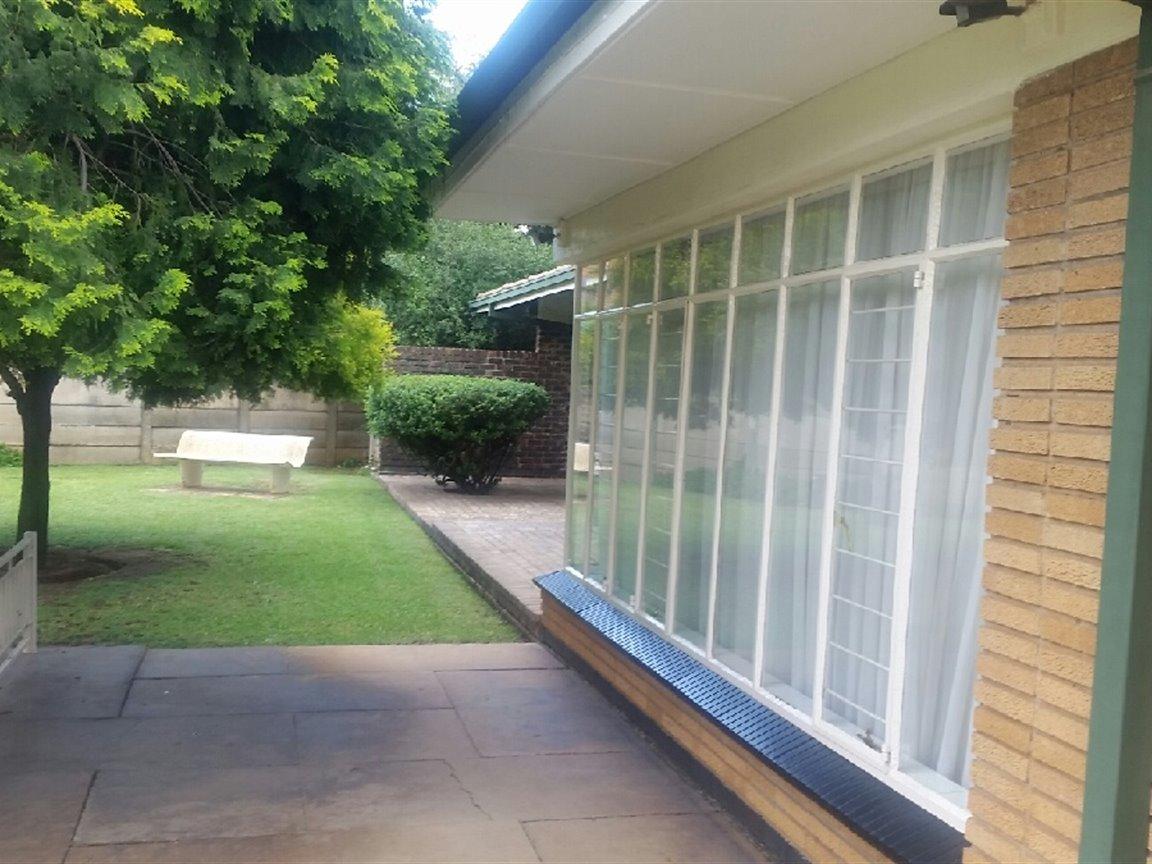 Arcon Park property for sale. Ref No: 13298922. Picture no 8