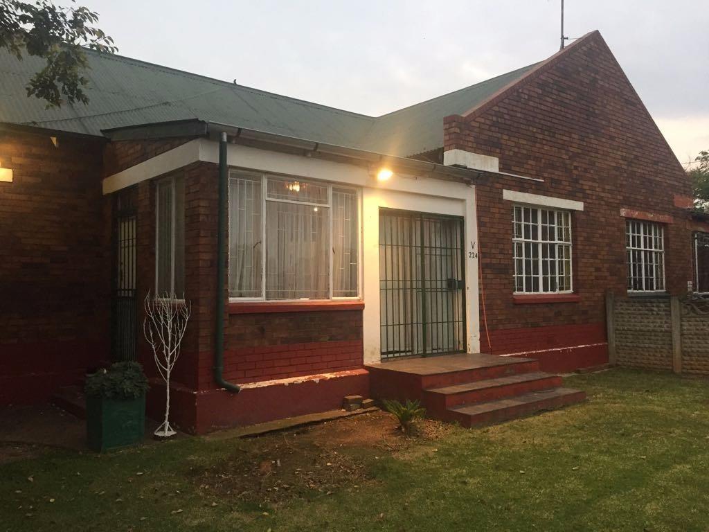 Krugersdorp, West Village Property  | Houses For Sale West Village, West Village, House 3 bedrooms property for sale Price:580,000