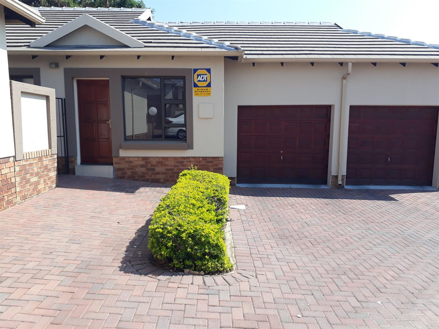 Centurion, Valley View Estate Property  | Houses To Rent Valley View Estate, Valley View Estate, Townhouse 2 bedrooms property to rent Price:, 11,00*