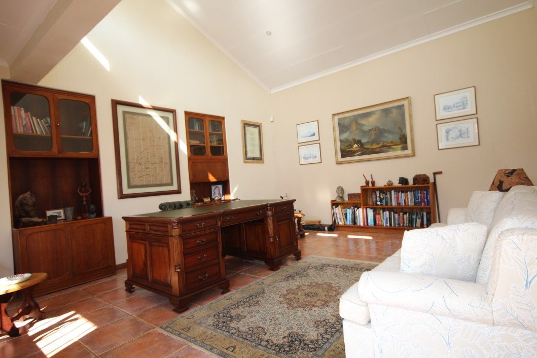 Three Rivers Proper property for sale. Ref No: 13338644. Picture no 18