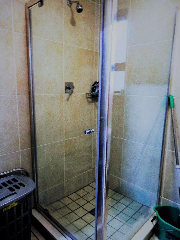 Oakdene property for sale. Ref No: 13480235. Picture no 10