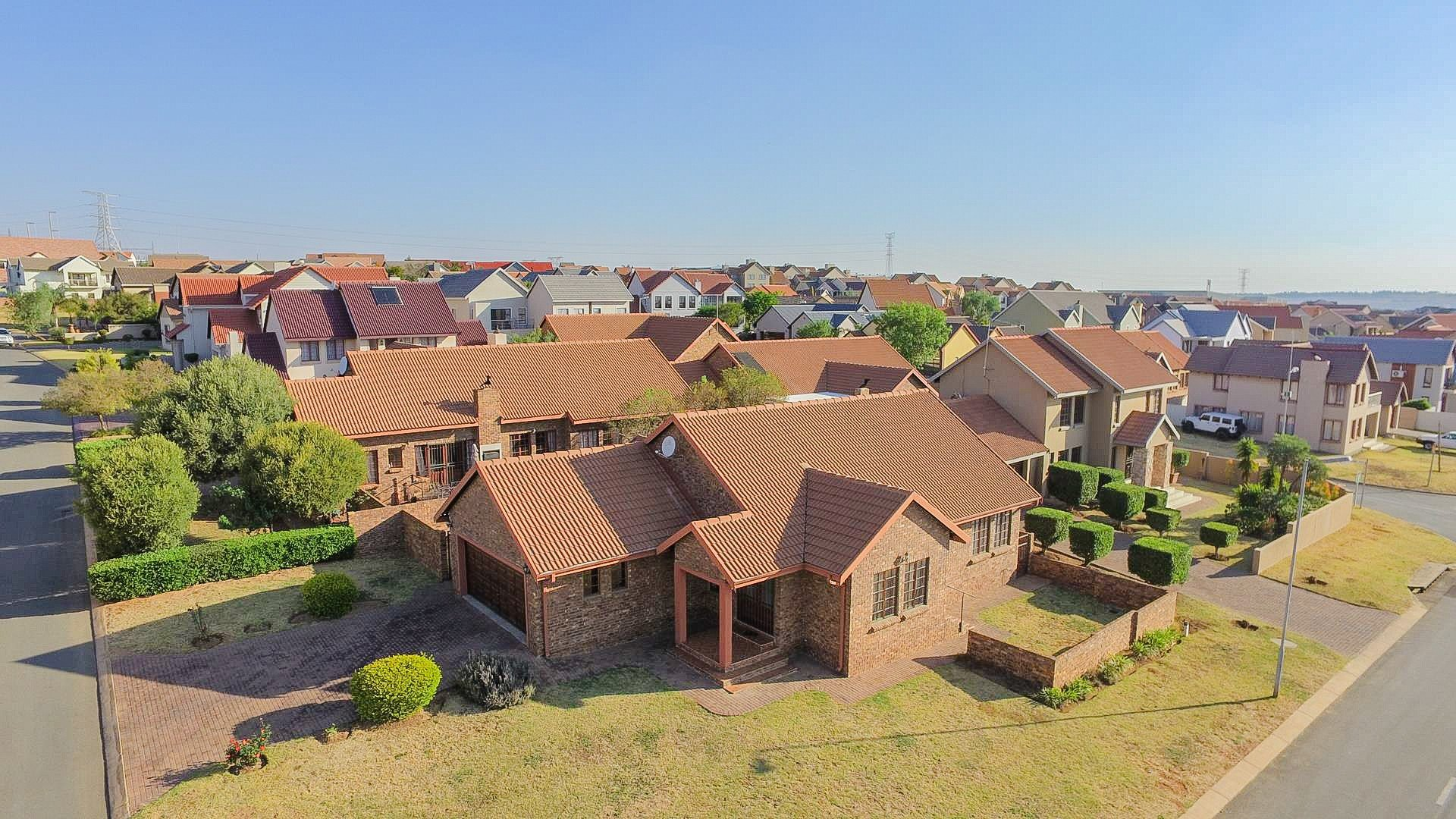 Property and Houses for sale in Brooklands Lifestyle Estate, House, 3 Bedrooms - ZAR 1,825,000
