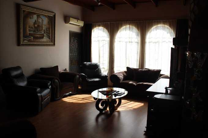 Theresapark property for sale. Ref No: 13568221. Picture no 7