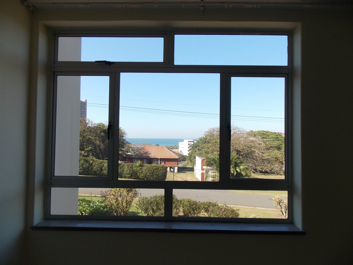 Amanzimtoti property for sale. Ref No: 13371310. Picture no 6