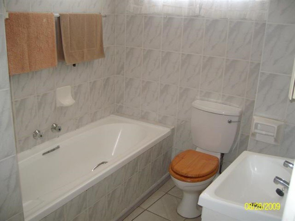Scottburgh property for sale. Ref No: 12726972. Picture no 5