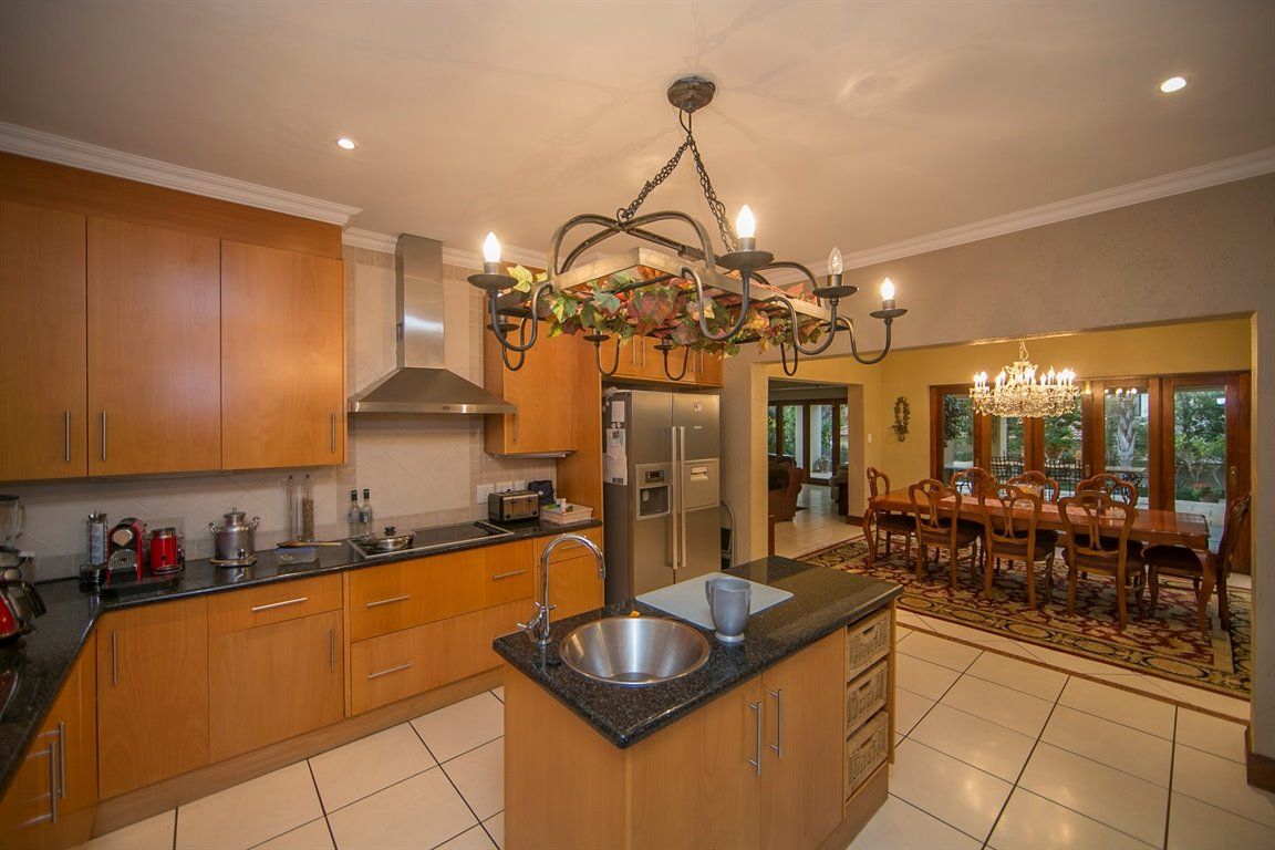 Fourways property for sale. Ref No: 13401727. Picture no 3